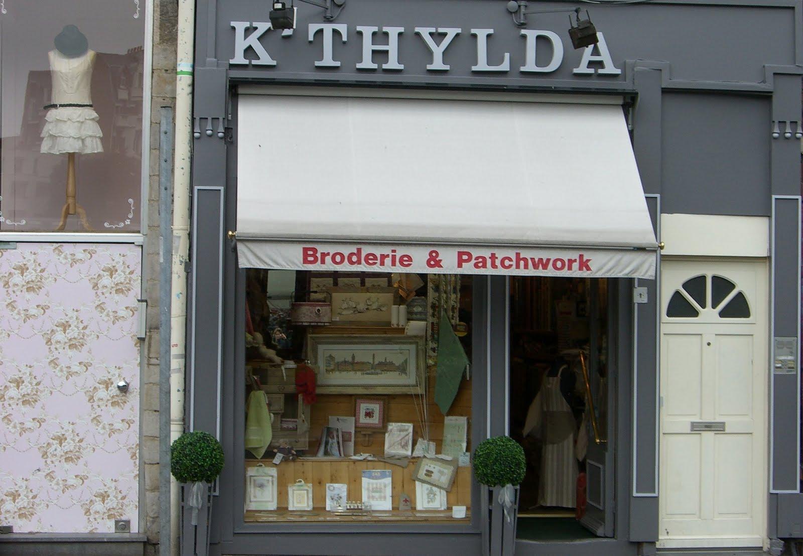 les petites croix de k 39 thylda dans le vieux lille boutique de broderie et de patchwork. Black Bedroom Furniture Sets. Home Design Ideas