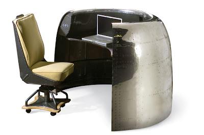 Escritorio construido con carenado de DC-6