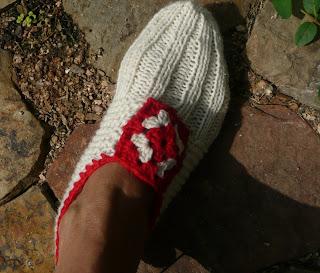 Ravelry: Oma House Slippers pattern by Tara Murray