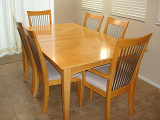 Brooks Moving Sale Maple Dining Room Table Set W 6 Chairs And