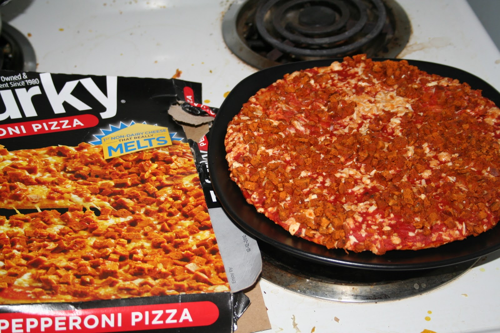 How To Make A Frozen Pizza The Redundant Vegan Happy Vegan Pizza Day A Slc Guide To Vegan Pizza