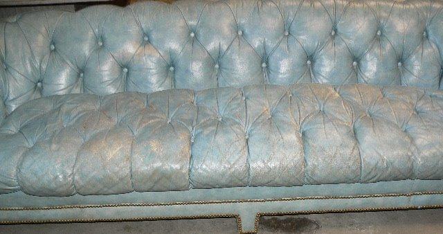 [blue+sofa]