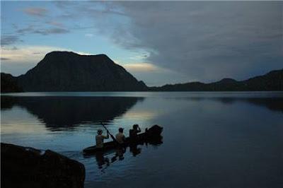 http://3.bp.blogspot.com/_C5v5NWawJR0/Sv9XFZ_AkzI/AAAAAAAAACc/_aqnEIrtio4/s400/danau-gunung-tujuh.jpeg