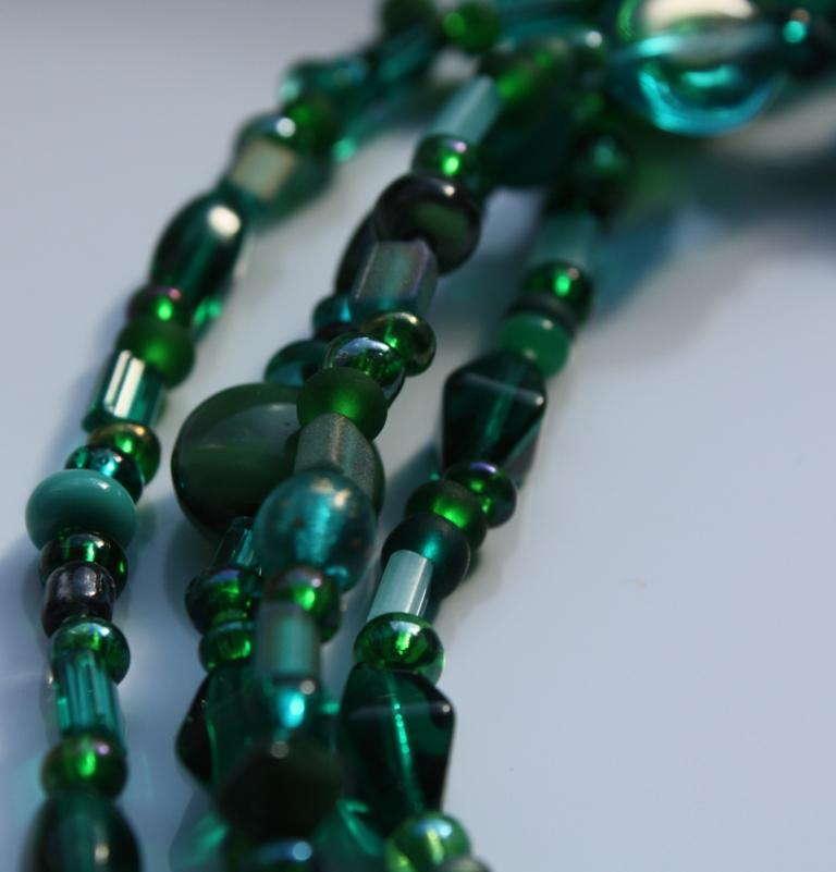 [green+long+necklace.JPG]