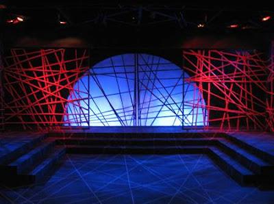 Salvador Bernal's stage design for Tanghalang Ateneo's 'Otelo: Ang Moro ng Venecia,' 2008