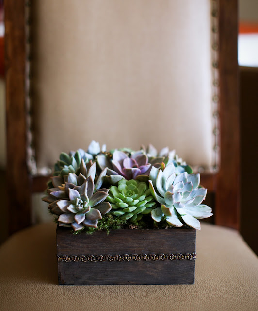 sunstone-winery-wedding-rustic-succulents