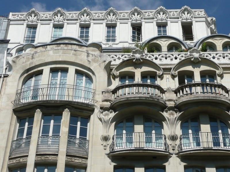 paris art nouveau rue de rennes paris 6e. Black Bedroom Furniture Sets. Home Design Ideas