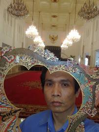Ngintip Wayang Istana