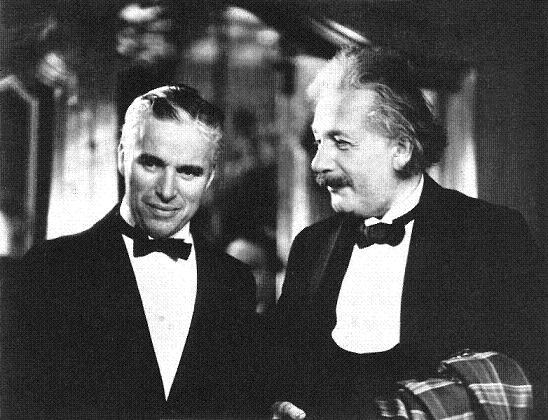 Chaplin e Einstein, imbatíveis!
