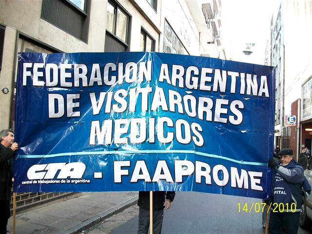 Visitadores Medicos en la Calle de Protesta