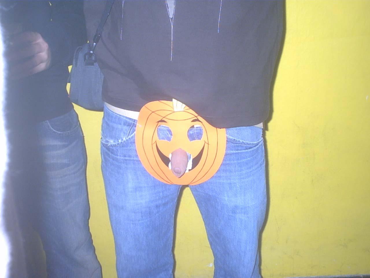 [halloween+1.jpg]