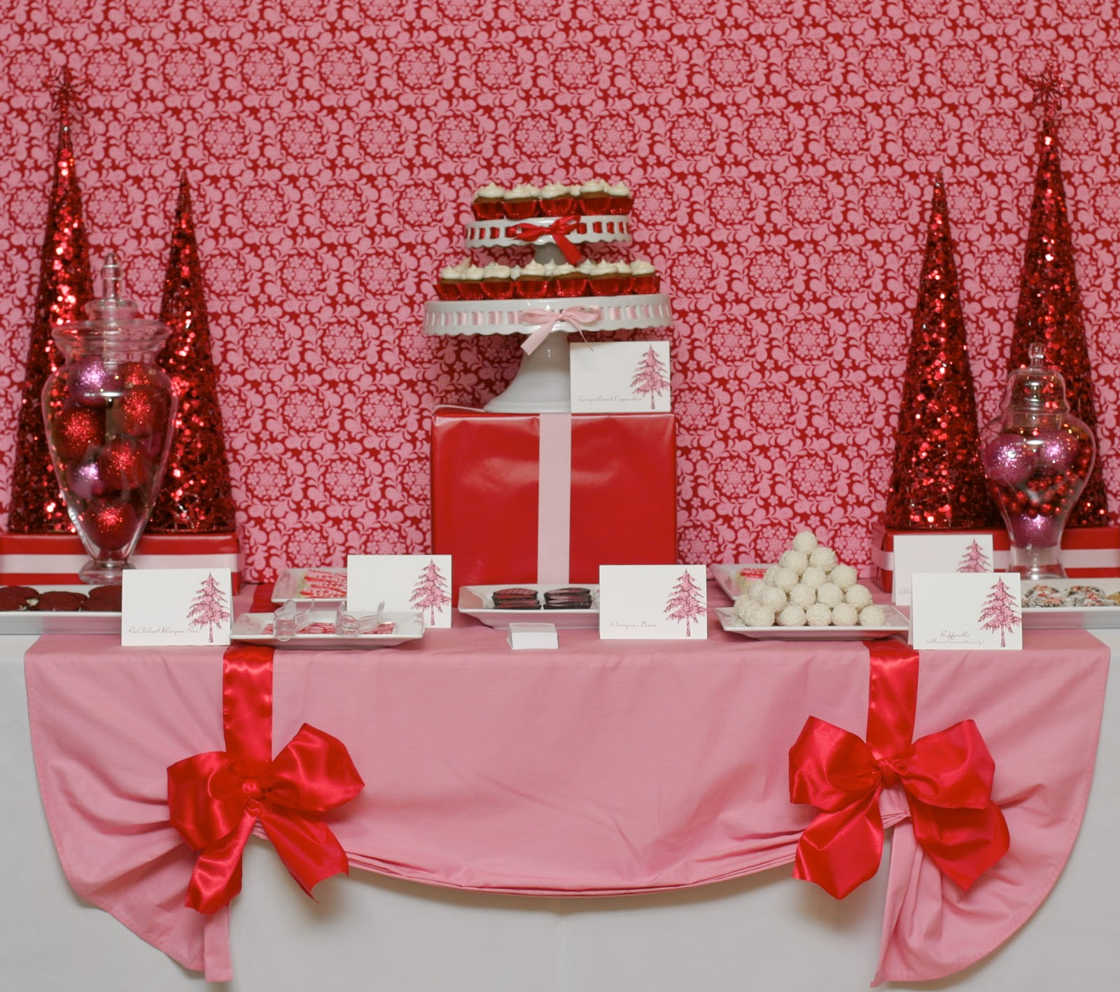 Christmas dessert table decoration ideas - Pink And Red Holiday Dessert Table