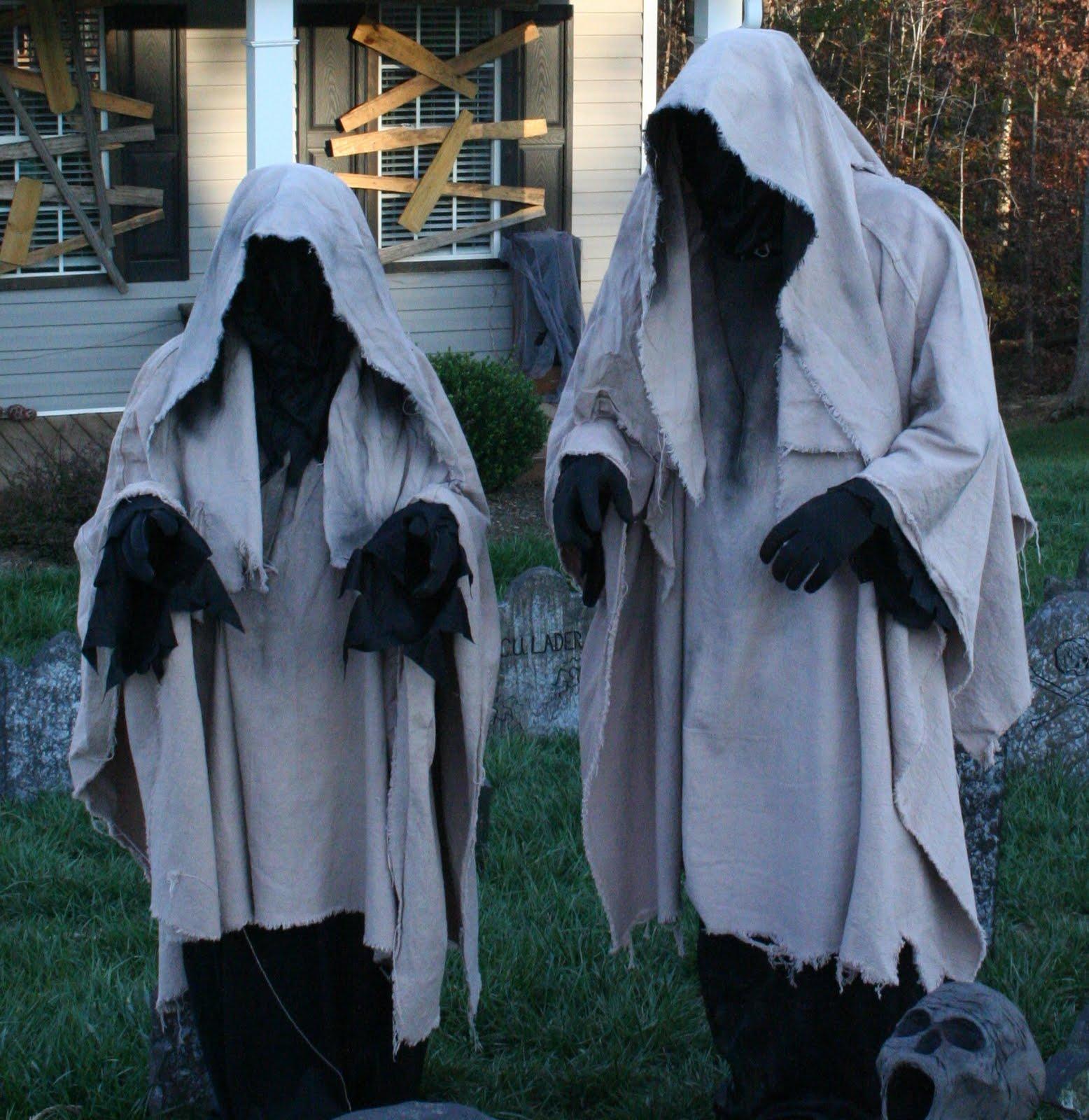 grim hollow haunt our ghost costumes. Black Bedroom Furniture Sets. Home Design Ideas