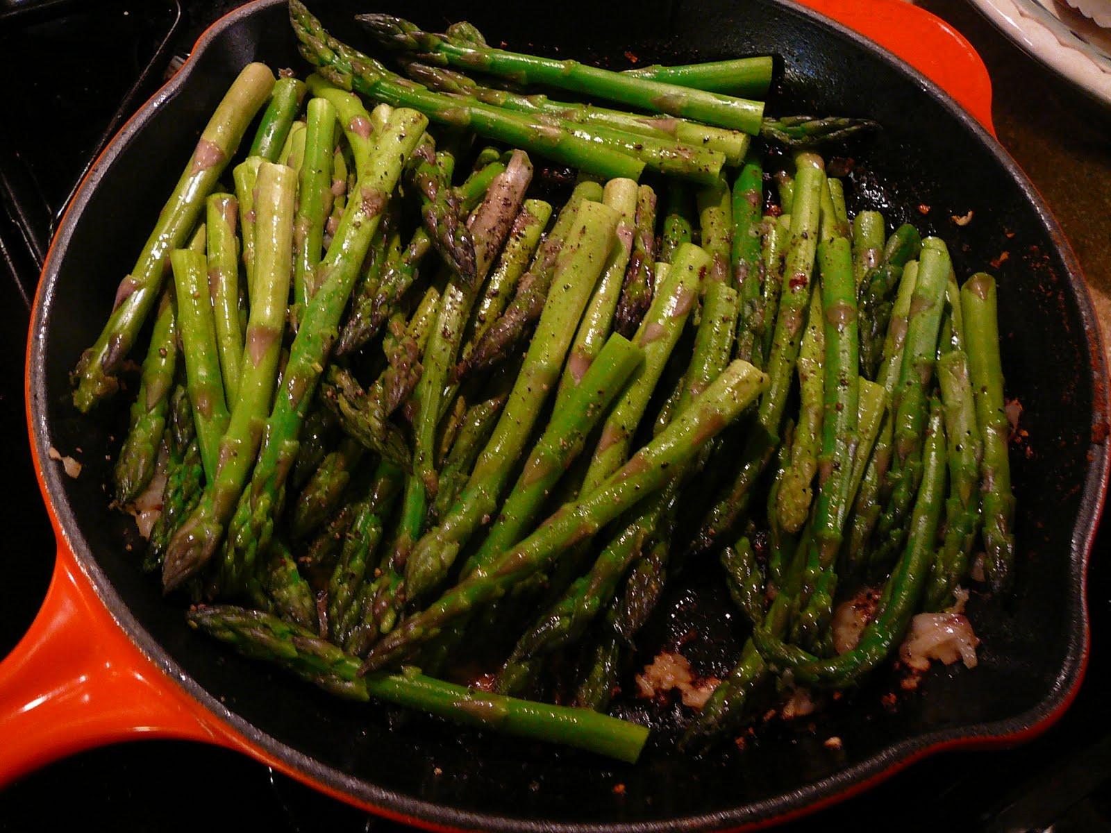 Bentobloggy: Pan-Roasted Asparagus