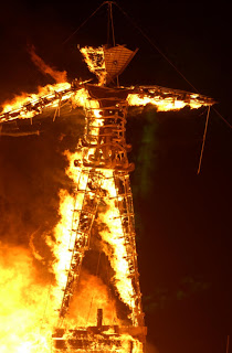 Burning Man - Hombre en llamas