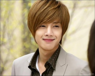 On September 2009 During Promotions In Japan For Boys Over Flowers Kim Hyun Joong Was Diagnosed With H1N1 While Recovering From He Could Not Attend