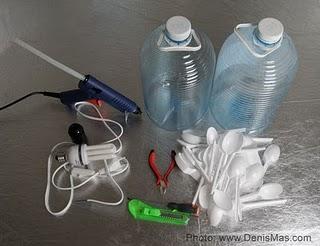 luminária feita de colheres de plástico faça você mesmo reciclagem