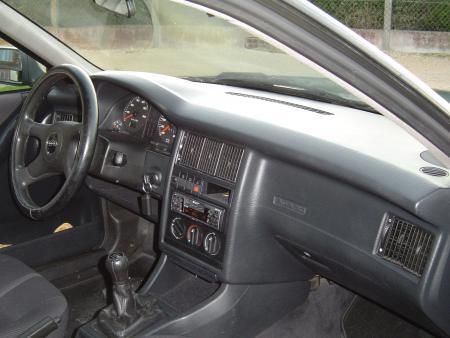 Audi newz r tro ssai l 39 audi 80 b4 1 9 tdi for Audi 80 interieur