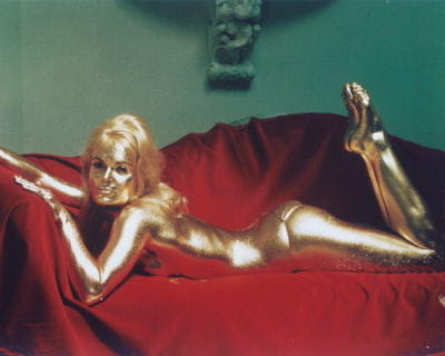 shirley+eaton+in+goldfinger+of+easy+art