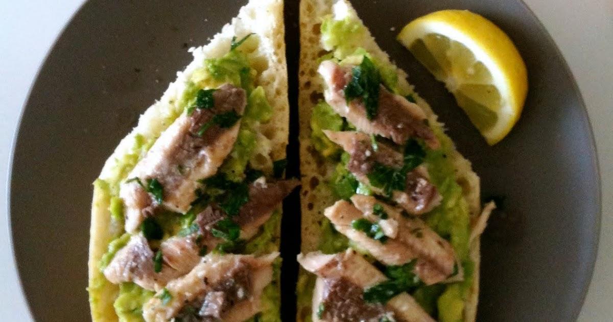 DREAMING OF PALM TREES: Recipe: Alton Brown's Sardine-Avocado Sandwich
