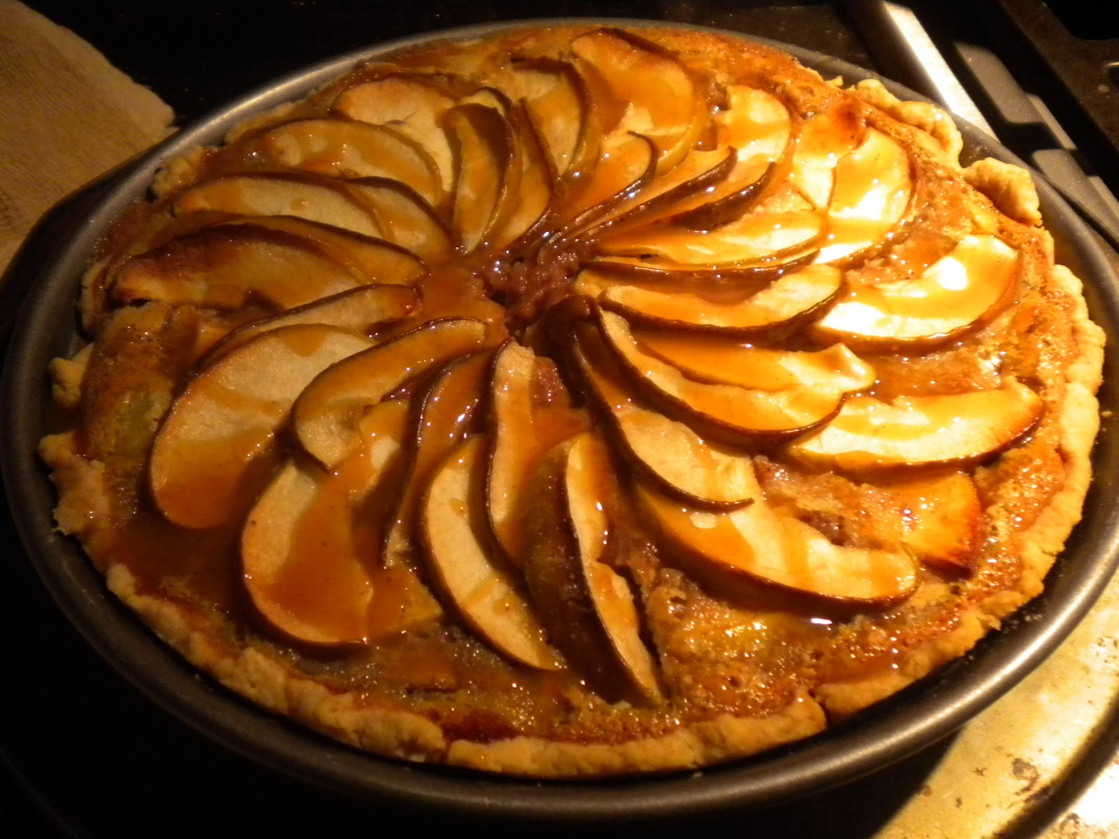 ... : RECIPE: Apple and Pear Pie with Pecan Custard and Caramel Drizzle