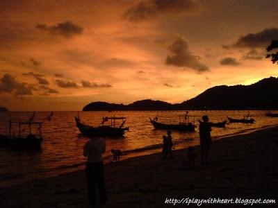 Teluk Kumbar Sunset