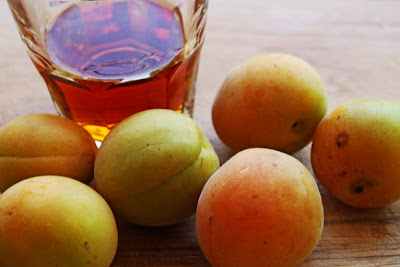 Apricot Amaretto Jam | Hitchhiking to Heaven
