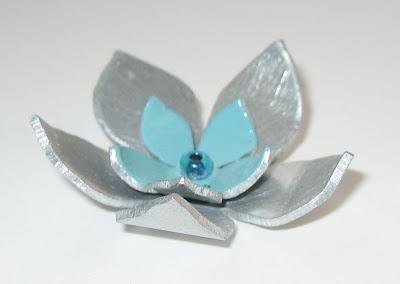 Handmade flower pendant by surf jewels handmade jewellery