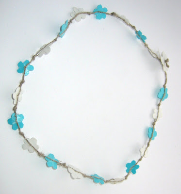 flower hemp recycled necklace