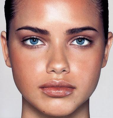 adriana lima makeup. adriana lima no makeup.