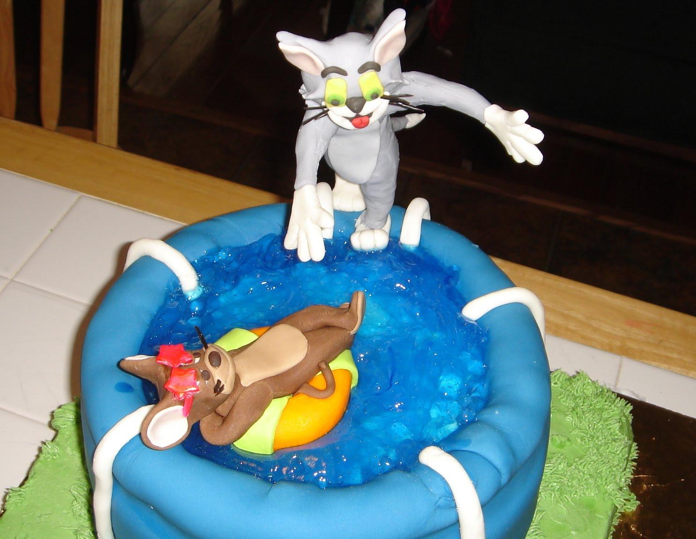 Sugar Cake Figures Swimming Pool