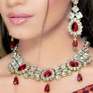 Exquisite Necklace Set With Glossy Stones