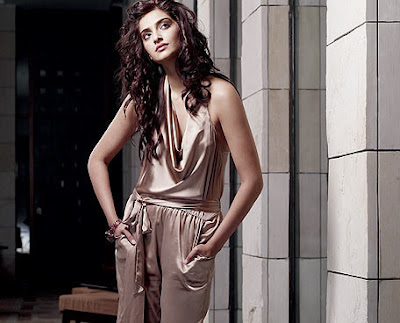 Sonam Kapoor Hot and pics