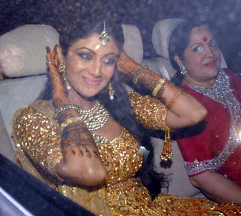 Shilpa Shetty wedding pics, Shilpa Shetty wedding photo, Shilpa Shetty wedding picture, Shilpa Shetty wedding pictures, Shilpa Shetty wedding, Shilpa Shetty and raj kundra, Shilpa Shetty and raj kundra pics