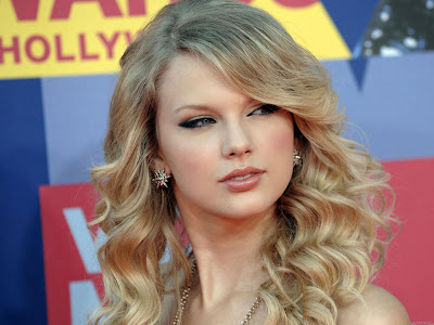 Taylor Swift Natural Hair, Long Hairstyle 2011, Hairstyle 2011, New Long Hairstyle 2011, Celebrity Long Hairstyles 2073