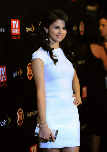 selena gomez haircut in ramona and. selena gomez haircut in ramona