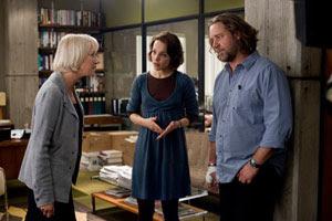 Helen Mirren, Rachel McAdams y Russel Crowe en La sombra del poder