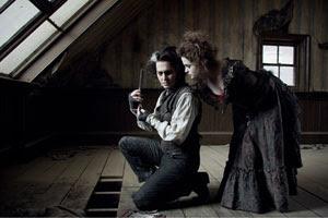 Johnny Depp y Helena Bonham Carter en Sweeny Todd: El barbero diabólico de la calle Fleet