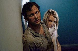 Tony Goldwin y Monica Potter en La última casa a la izquierda