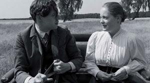Christian Friedel y Leonie Benesch en La cinta blanca