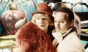 Maggie Steed y Johnny Depp en El imaginario del Doctor Parnassus