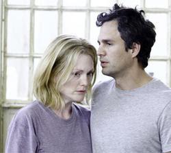 Julianne Moore y Mark Ruffalo en A ciegas