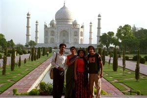 Irrfan Khan, Tabu, Sahira Nair y Kal Penn en El buen nombre