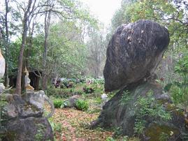 หินมหัศจรรย์...ตำนานบ้านผายอง...