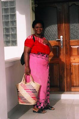 Kutomba Mwanamke