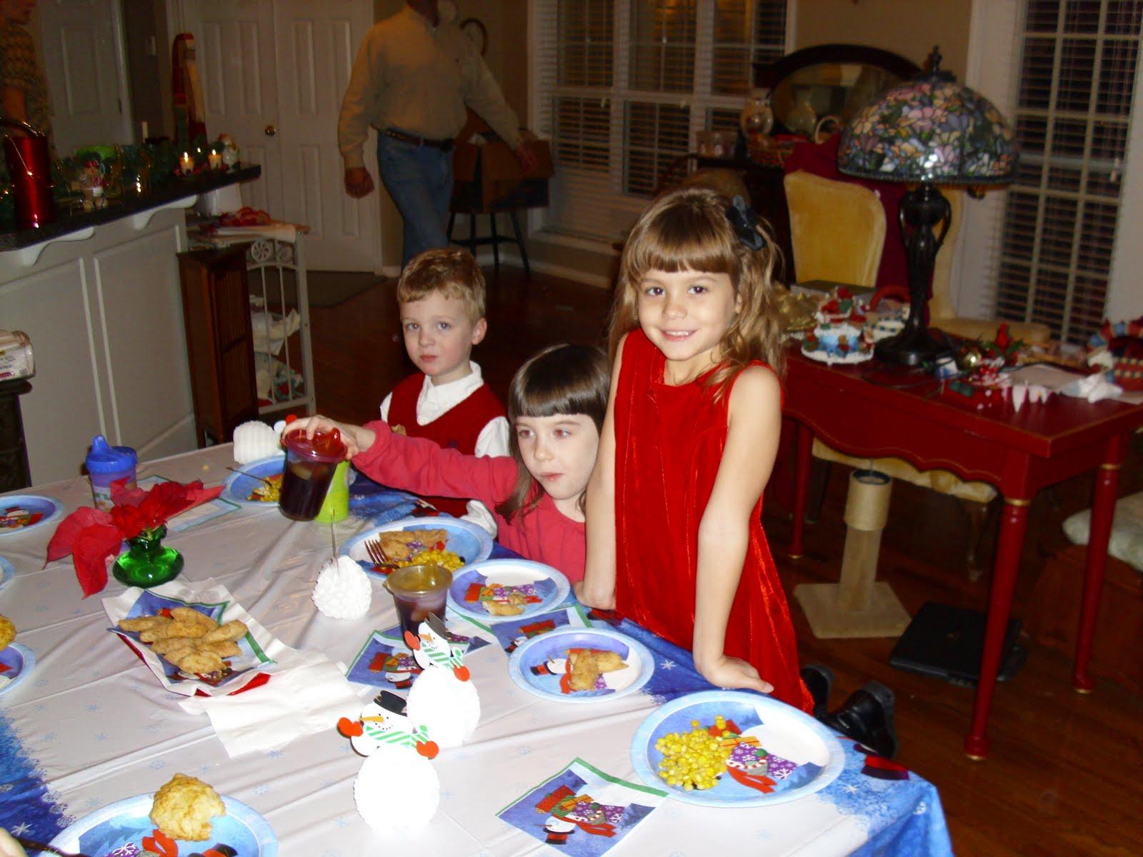 [Christmas+Eve+Kid's+Table2]