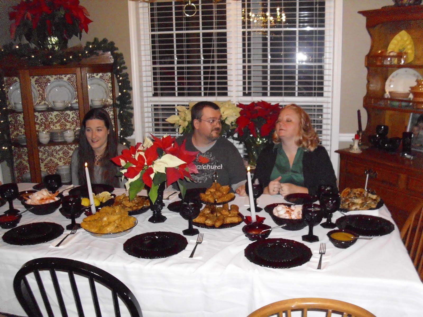 [Christmas+Eve+table]