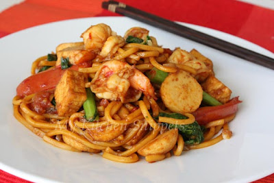 Diary Foods: Spicy Fried Noodles/Mee Goreng Recipes
