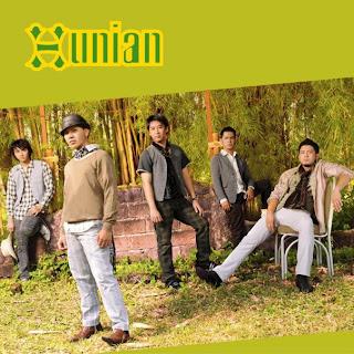 foto Hunian Band mp3 Ratu Di Hatiku