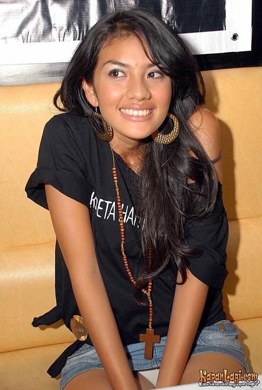 Blog Bulkum.com: Photo Ngintip Celana Dalam Artist Indonesia